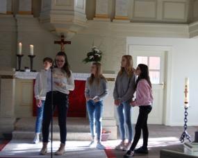 Der 8. und 11. Jahrgang gestaltete den Reformationsgottesdienst